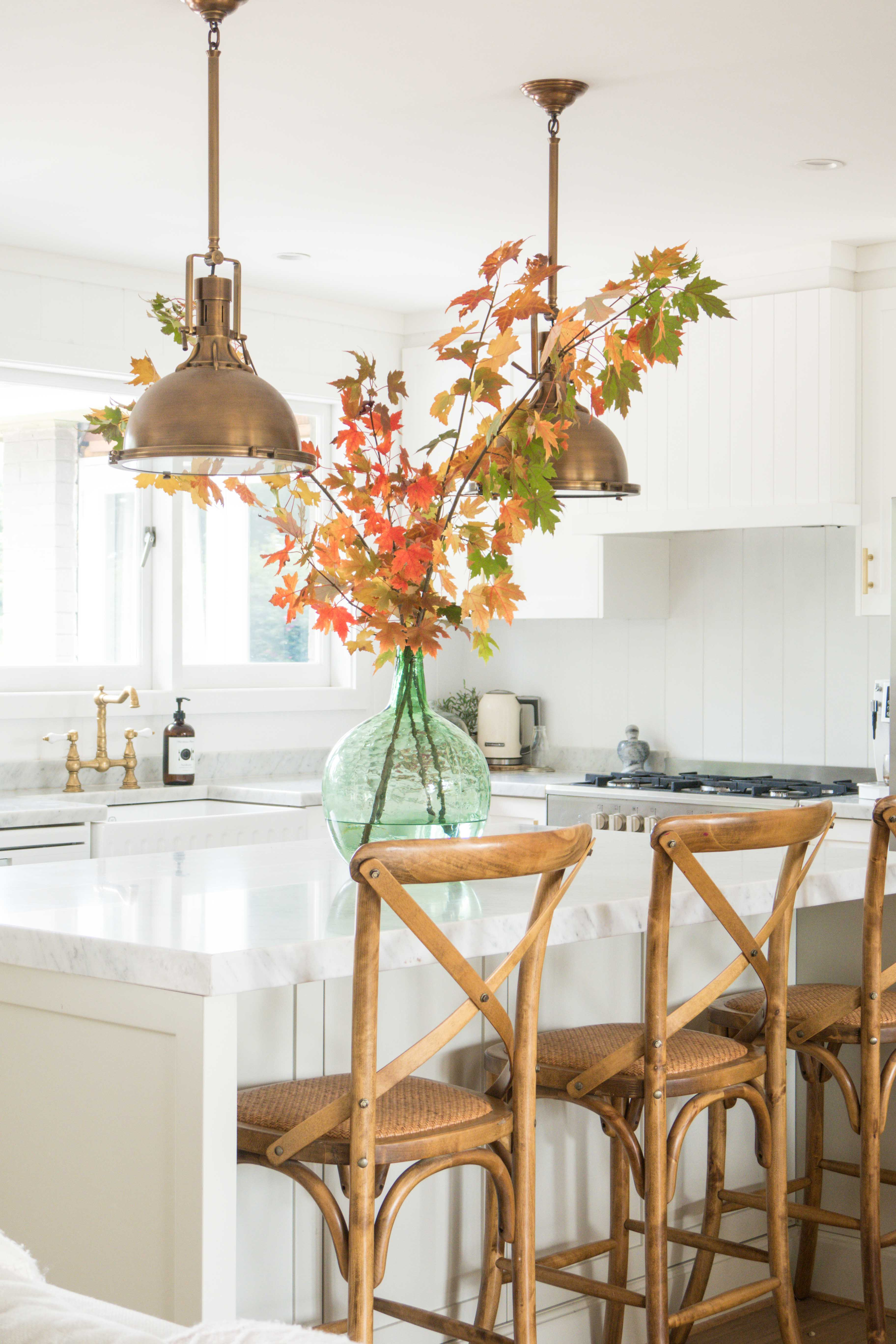 cottonwood-autumn-leaves-kitchen