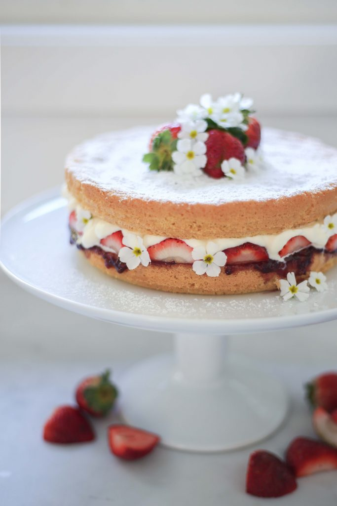 Cottonwood and Co - Berry Pretty Sponge Cake
