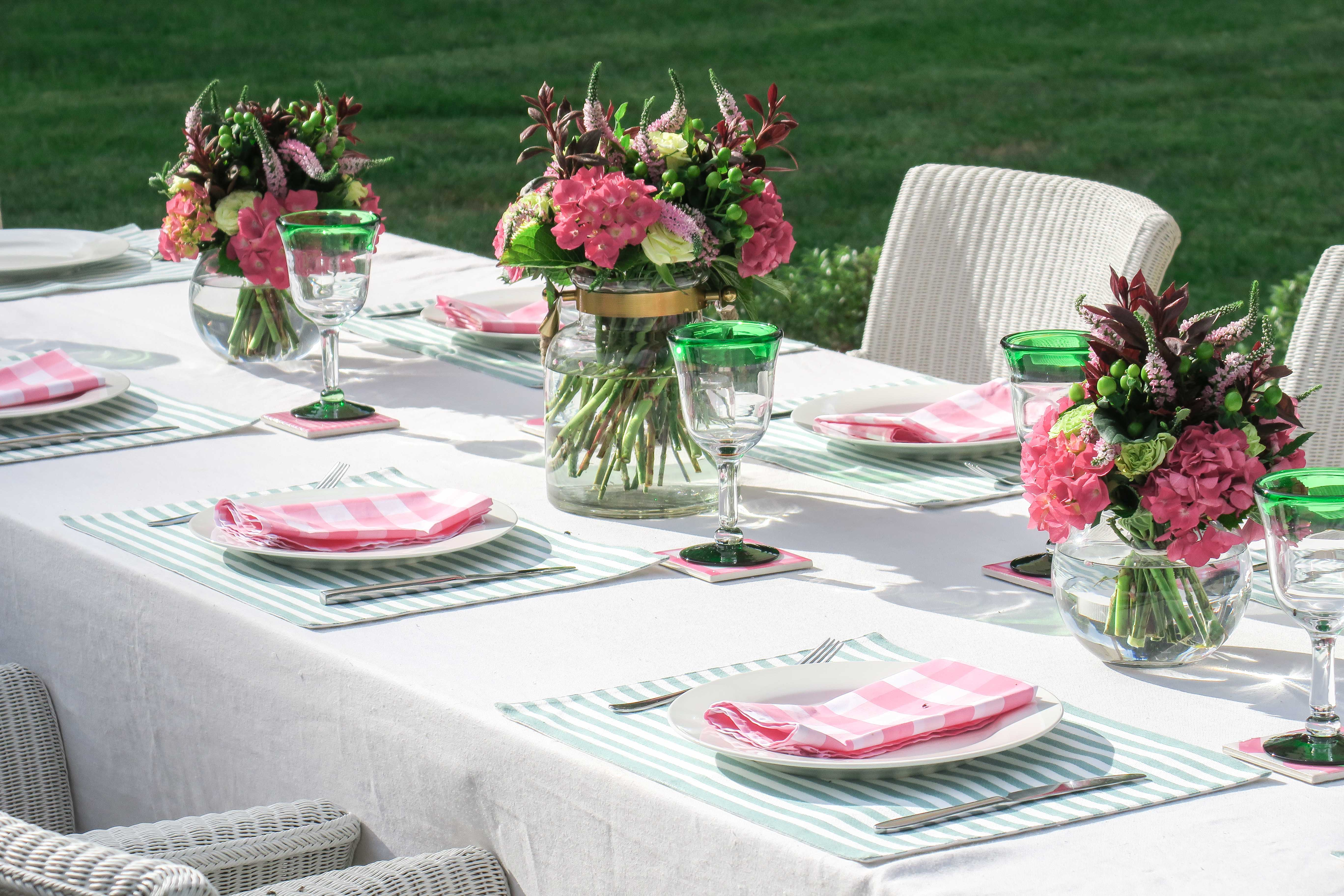 cottonwood table setting pink green white
