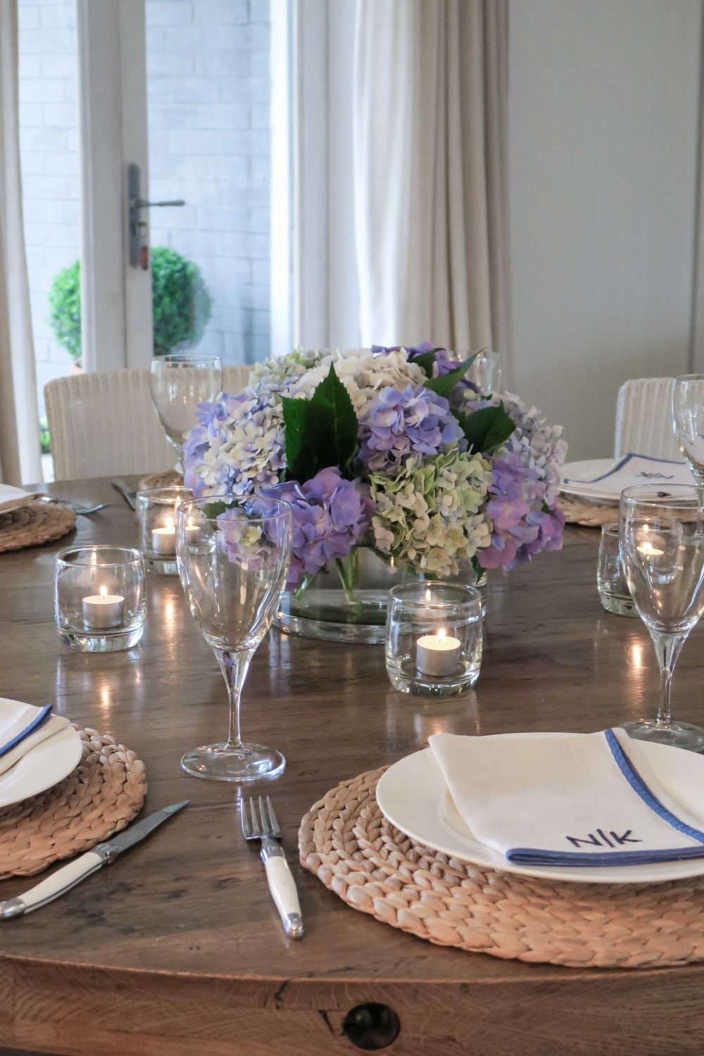 Cottonwood and Co - tips for easy and stress free entertaining - hydrangeas