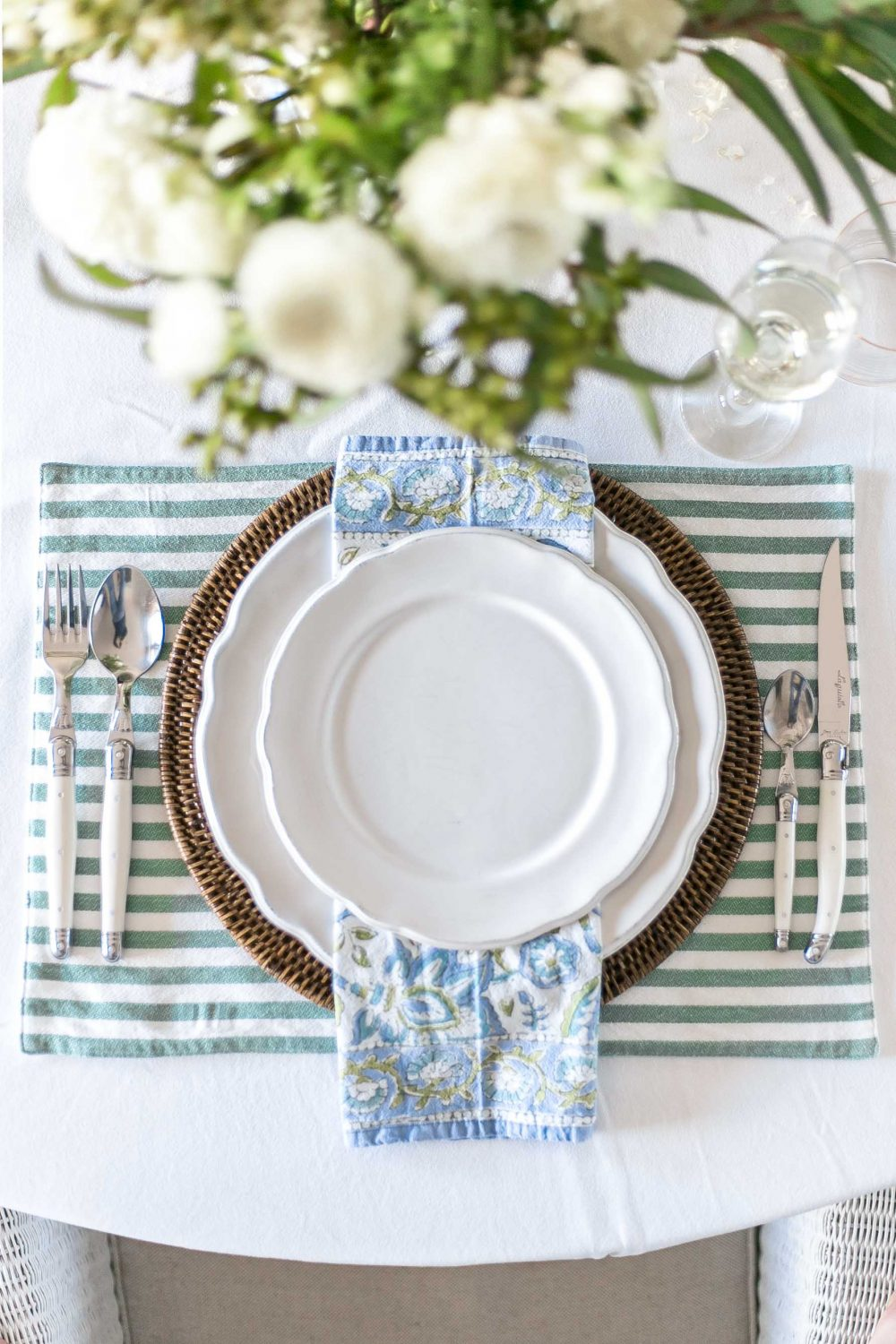 Cottonwood and Co - blue and green table decor -tips for easy entertaining