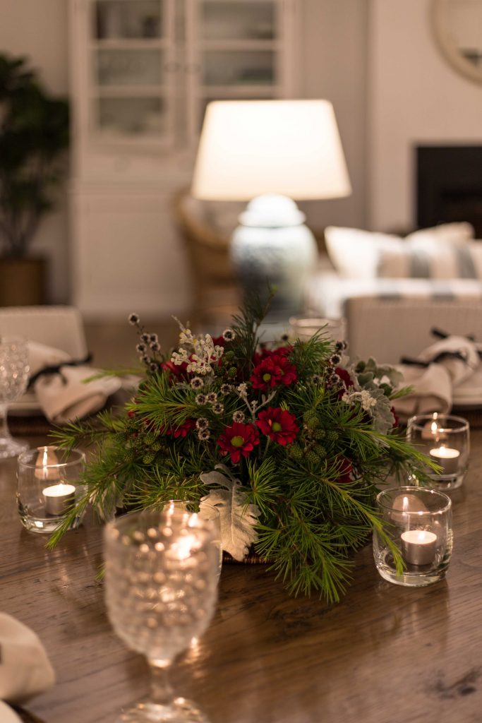 Cottonwood and Co - Christmas Flower Arrangement