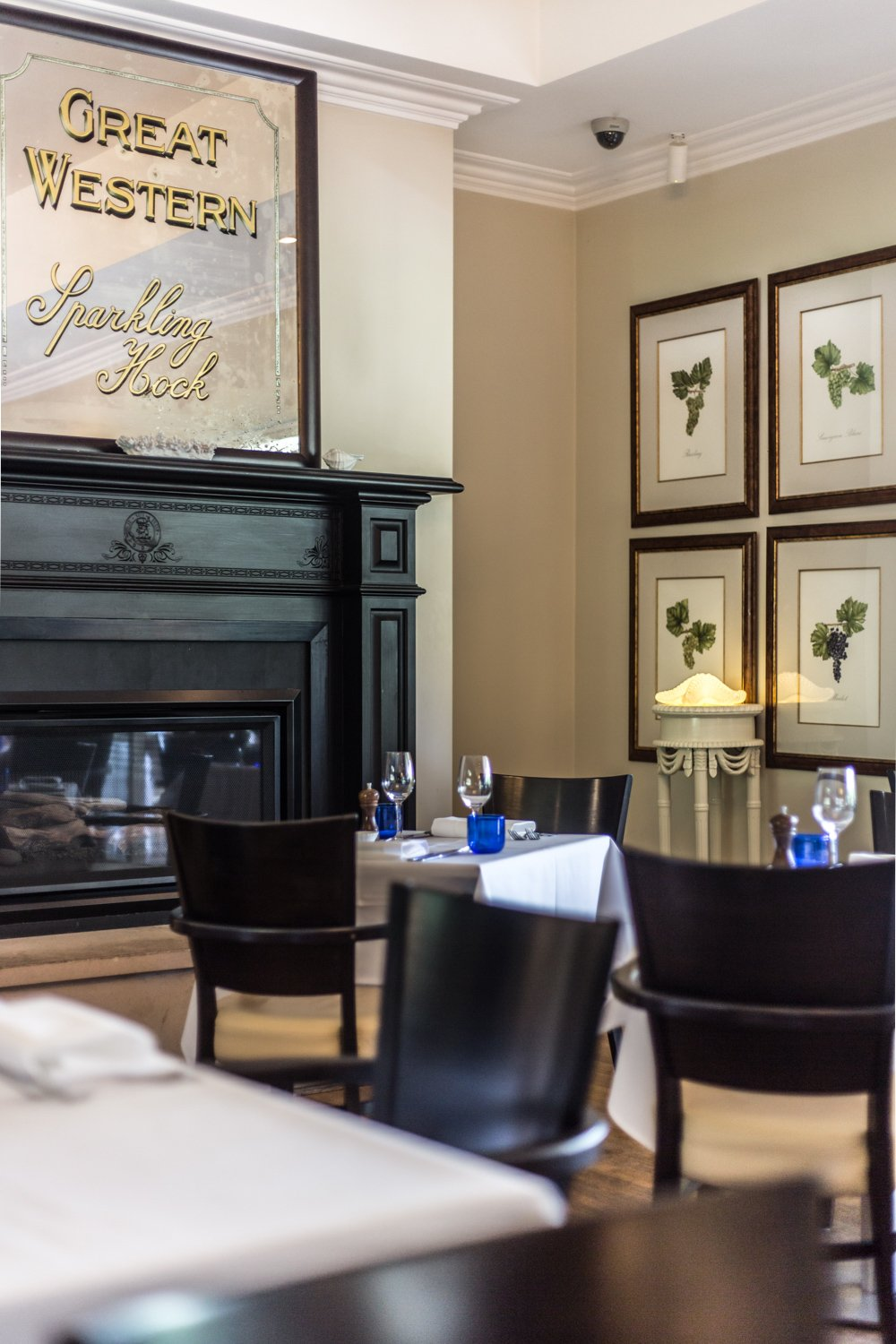Cottonwood & Co - The restaurant interiors at Bells At Killcare