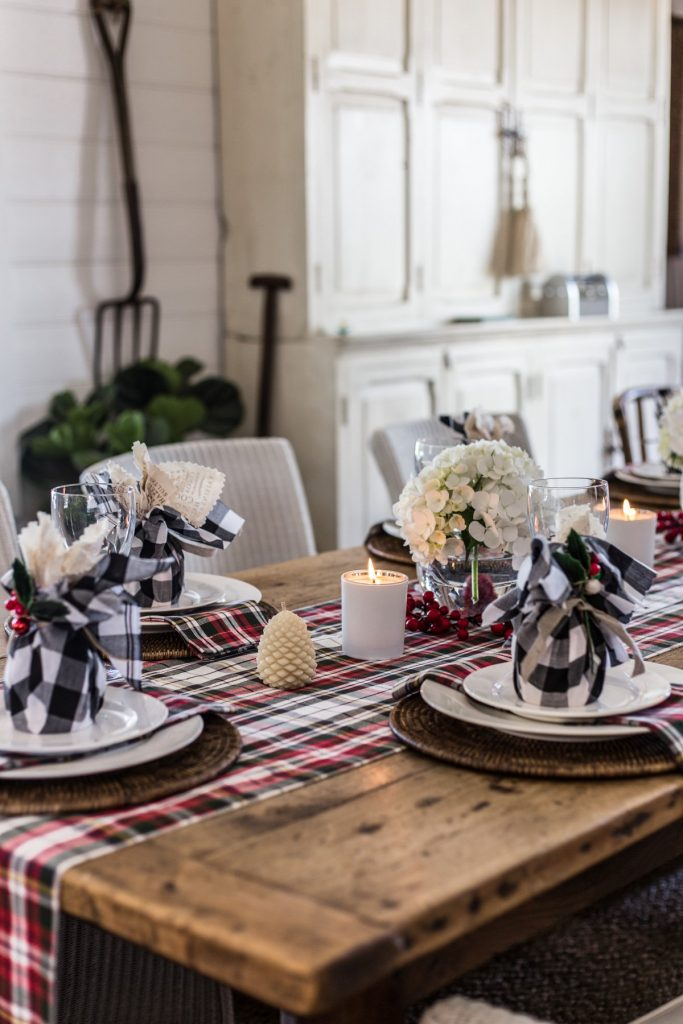 Traditional Country Christmas Table - Cottonwood & Co