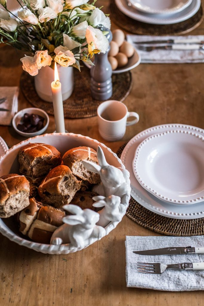 Easter Table Hot Cross Buns - Cottonwood & Co